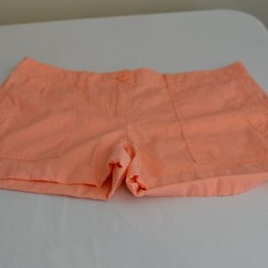 Loft Outlet Peach Cargo Shorts cuffed Size 4